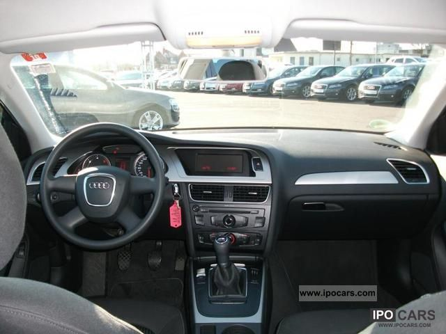 2010 Audi  A4 2.0 TDI 136 CV ATMOSPHERE Limousine Used vehicle photo