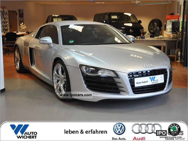 2009 Audi  R8 4.2 quattro R tronic 309 kW Sports car/Coupe Used vehicle photo