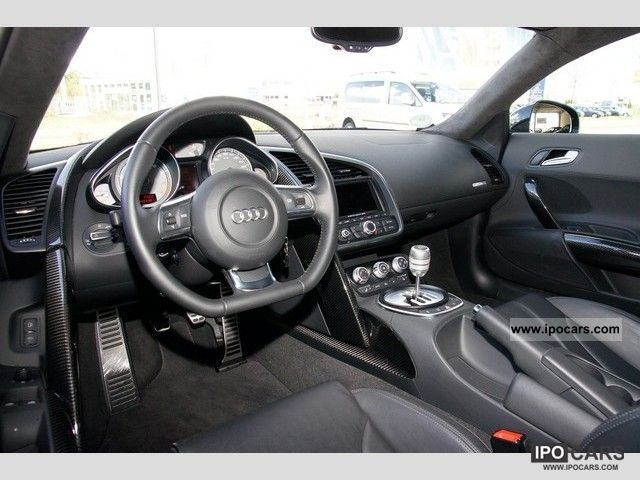 2010 Audi  R8 4.2 Quattro Navi Leather Sports car/Coupe Demonstration Vehicle photo