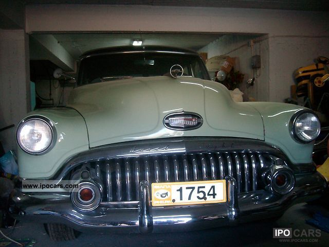 Buick  Roadmaster 1952 Vintage, Classic and Old Cars photo