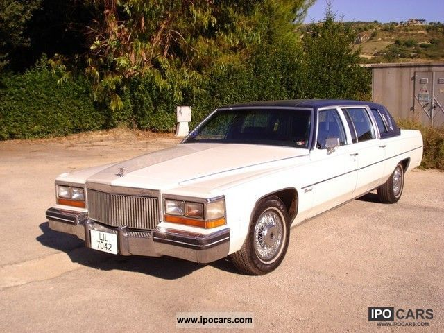 Cadillac  Fleetwood sedan 1979 Vintage, Classic and Old Cars photo