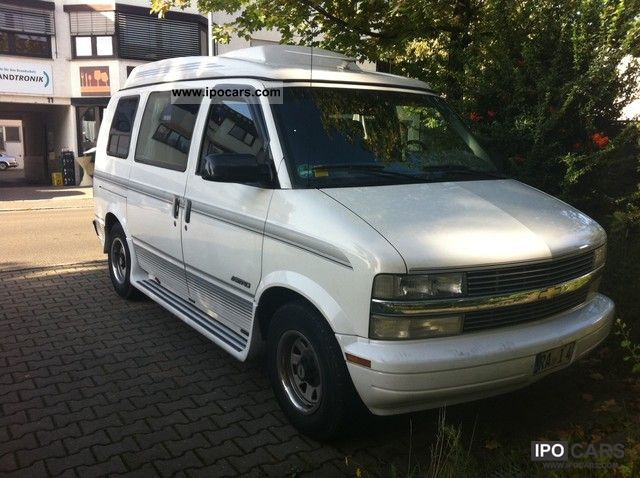 1996 Chevrolet  Astro Van 2WD Van / Minibus Used vehicle photo