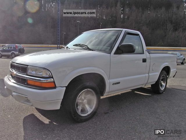 1998 Chevrolet  S-10 LS Pickup Off-road Vehicle/Pickup Truck Used vehicle photo
