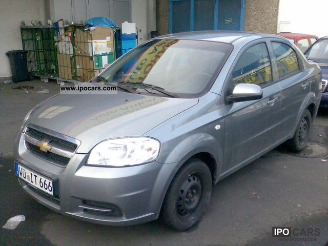 2010 chevrolet aveo chevy review ratings specs prices. Black Bedroom Furniture Sets. Home Design Ideas