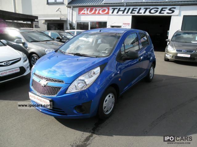 2011 Chevrolet  Spark Top 5.Türig climate like new Small Car Employee's Car photo
