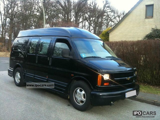 1997 Chevrolet  Chevy Express Van 1500 STARCRAFT 5.7 Van / Minibus Used vehicle photo