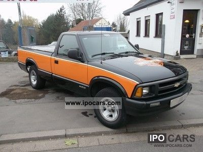 1996 Chevrolet  S-10 Off-road Vehicle/Pickup Truck Used vehicle photo