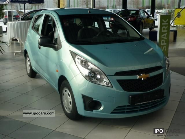 2010 Chevrolet  SPARK 5 door base plus 1.0 5 S Small Car Used vehicle photo