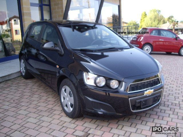 2011 Chevrolet  NEW AVEO - AT PROMOZIONE FEBBRAIO - A VARESE Small Car New vehicle photo