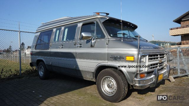 Chevrolet  Chevy van with gas facility ** ** AT ** Engine 3000 km 1988 Liquefied Petroleum Gas Cars (LPG, GPL, propane) photo