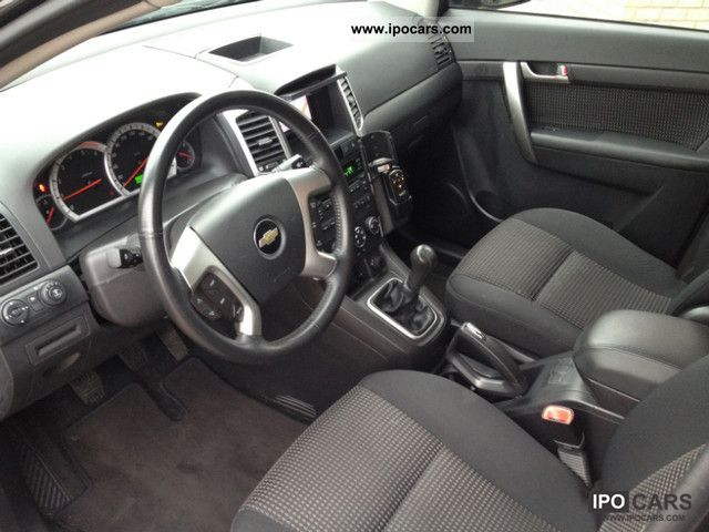 2008 Chevrolet  Captiva 2.0D LS 2WD 7 SEATER TEMPO AIR NAVI PDC Off-road Vehicle/Pickup Truck Used vehicle photo