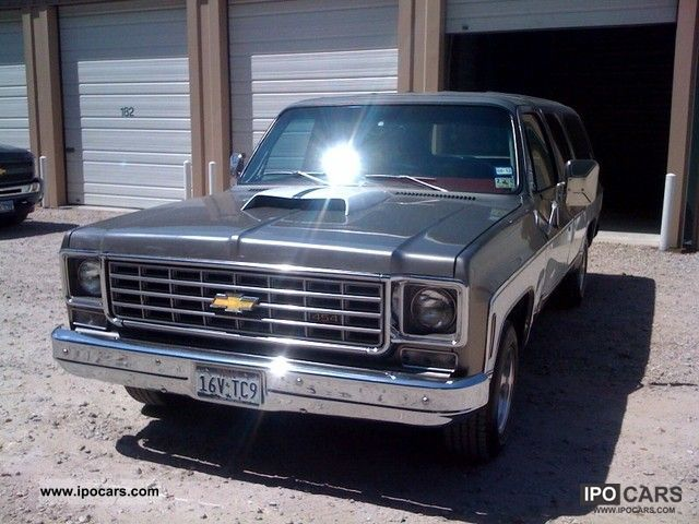 Chevrolet  Suburban 1975 Vintage, Classic and Old Cars photo