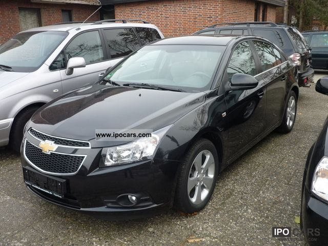 2010 chevrolet cruze lt 2 0d 17 inch aluminum pdc cruise control car photo and specs. Black Bedroom Furniture Sets. Home Design Ideas