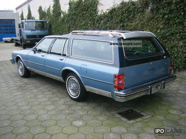 1984 Chevrolet Wagon NICE CAR And 45 US Classic Cars Estate Car Used Vehicle Photo