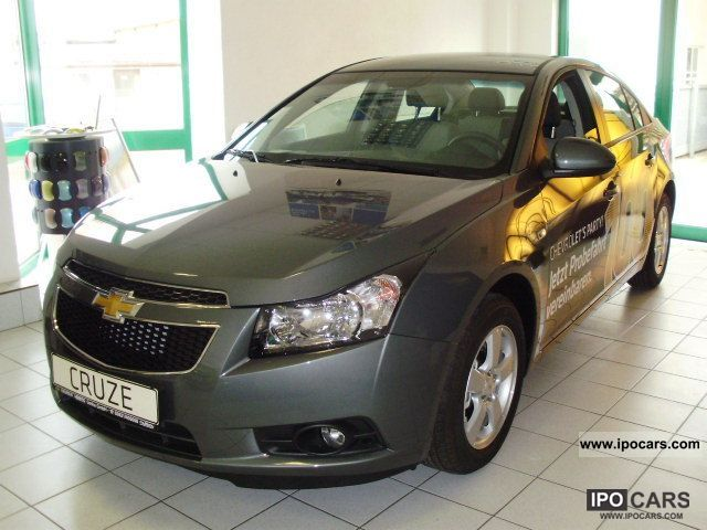 2012 chevrolet cruze 1 6 ls car photo and specs. Black Bedroom Furniture Sets. Home Design Ideas