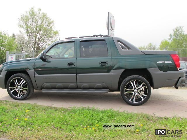 2004 chevrolet avalanche 4x4 car photo and specs. Black Bedroom Furniture Sets. Home Design Ideas