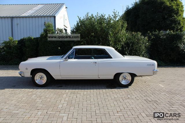 1965 Chevrolet Chevelle Malibu Coupe V8 - Car Photo and Specs