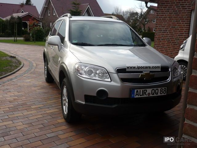2010 Chevrolet  Captiva 2.4 2WD, CD, air conditioning, trailer hitch, WR, warranty bis5.13 Off-road Vehicle/Pickup Truck Used vehicle photo