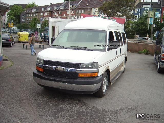 2004 Chevrolet  Chevy Express Van 2004 Estate Car Used vehicle photo