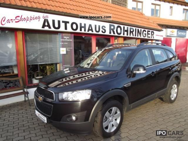 2011 Chevrolet  Captiva 2.4 LT-Navi 7-seater air-6Gang automation Van / Minibus Employee's Car photo