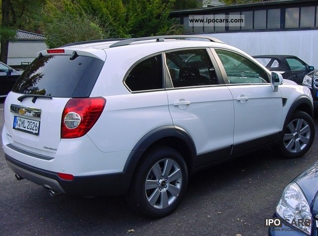 2011 Chevrolet  Captiva 2.4 LS Family Package 2WD LT 7-seater Off-road Vehicle/Pickup Truck New vehicle photo