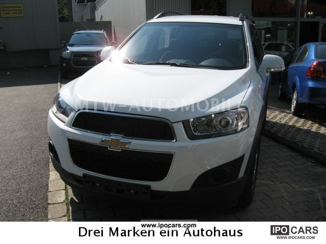 2012 Chevrolet  Captiva 2.4 LS 2WD 5 seater new MODEL Off-road Vehicle/Pickup Truck Pre-Registration photo
