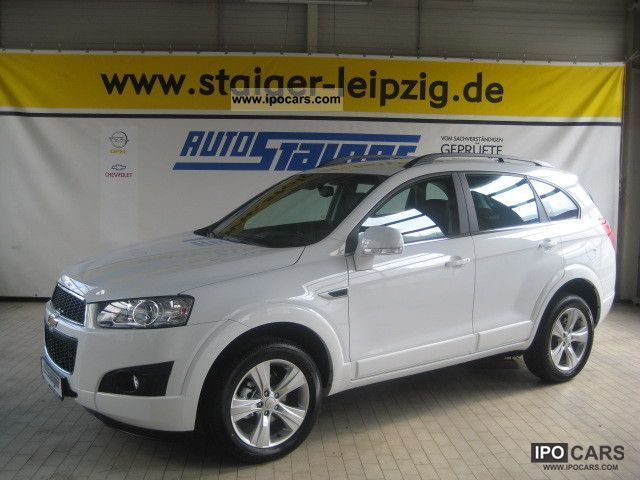 2012 Chevrolet  Captiva 2.4 LT 2WD 7 seater completely white Off-road Vehicle/Pickup Truck Demonstration Vehicle photo