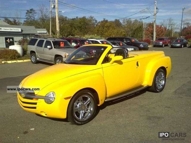 2006 Chevrolet  SSR (U.S. price) Cabrio / roadster Used vehicle (business photo