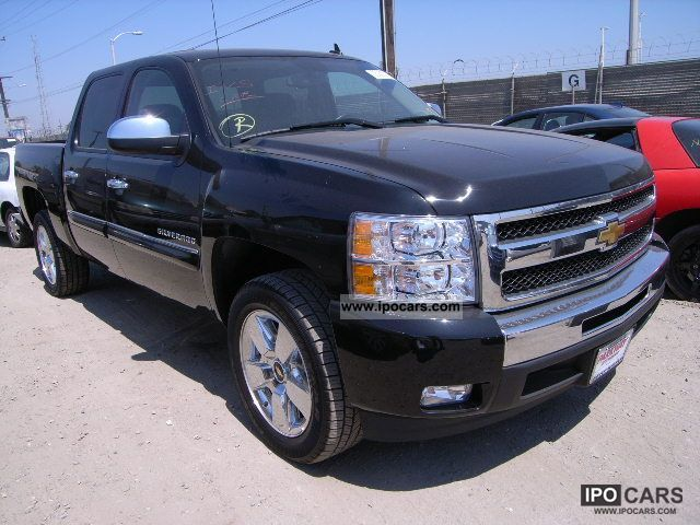 2011 Chevrolet  SILVERADO Off-road Vehicle/Pickup Truck Used vehicle (business photo