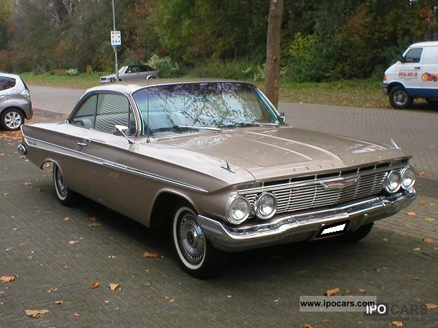 Chevrolet  Impala Sport Coupe 1961 Vintage, Classic and Old Cars photo