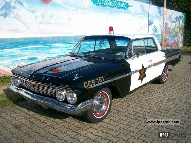 Chevrolet  Impala \ 1961 Vintage, Classic and Old Cars photo