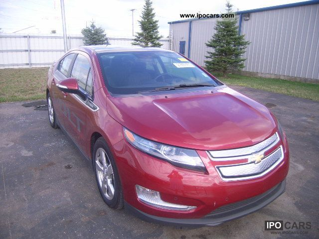 2011 Chevrolet  VOLT Limousine Used vehicle (business photo