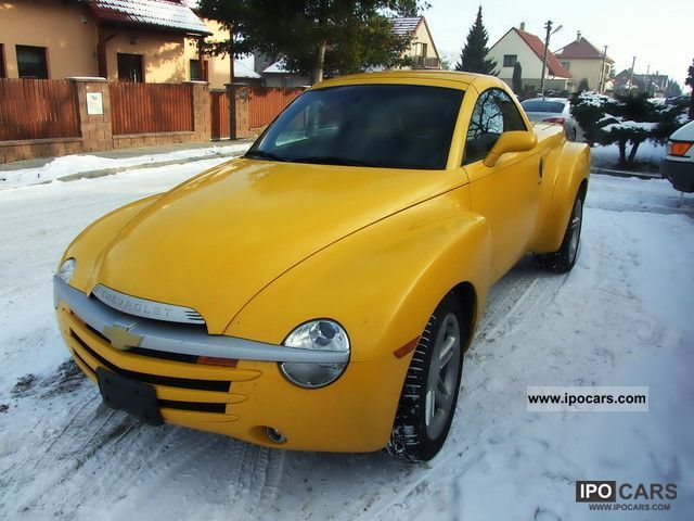 2006 Chevrolet  SSR Cabrio / roadster Used vehicle photo
