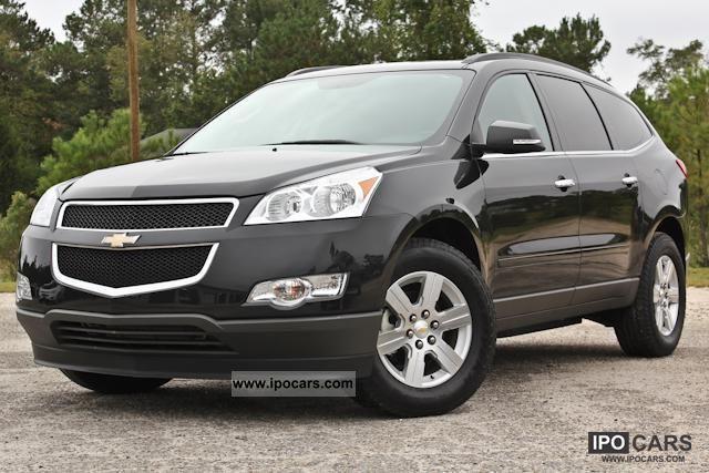 2011 Chevrolet  TRAVERSE 2LT AWD = 2012 = (T1 exports -25.9%) Estate Car New vehicle photo