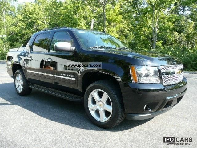 2011 Chevrolet  Avalanche LT 4x4 = 2012 = (T1 exports -25.9%) Off-road Vehicle/Pickup Truck New vehicle photo