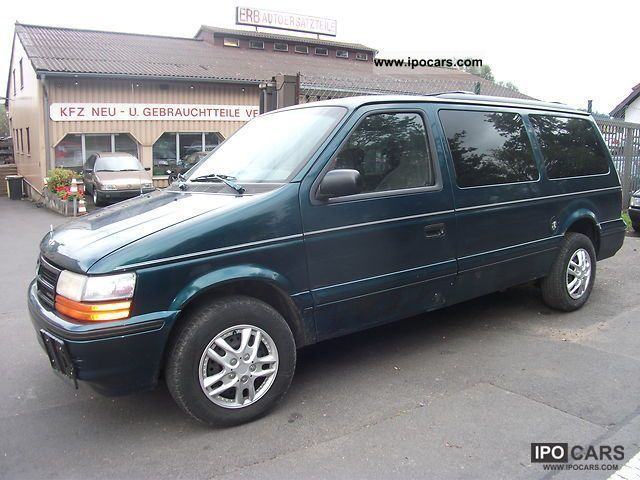 1993 chrysler voyager 3 3 se automatic car photo and specs. Black Bedroom Furniture Sets. Home Design Ideas