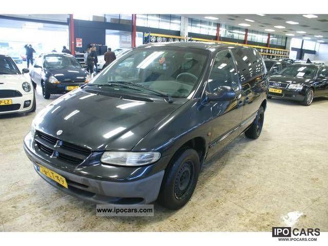 1998 Chrysler  Voyager 2.4i Van / Minibus Used vehicle photo