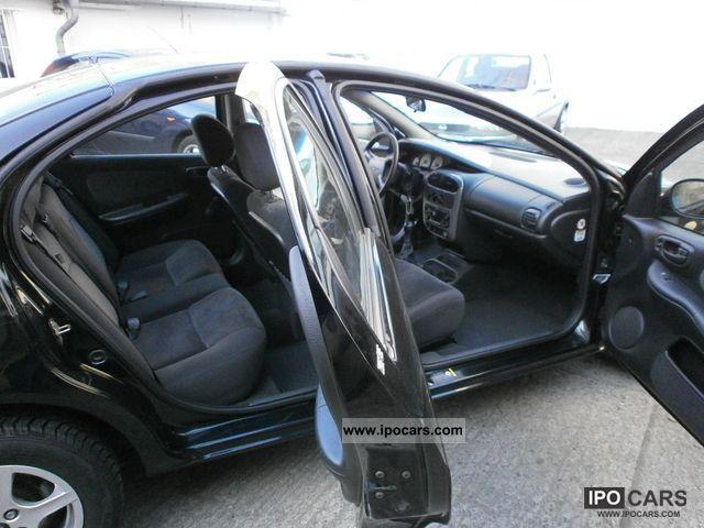 2000 Chrysler Neon SE 2.0 Limousine Used vehicle photo 5