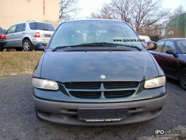 2001 chrysler voyager 2 4 family car photo and specs. Black Bedroom Furniture Sets. Home Design Ideas