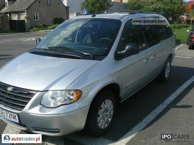 2005 chrysler town country car photo and specs. Black Bedroom Furniture Sets. Home Design Ideas