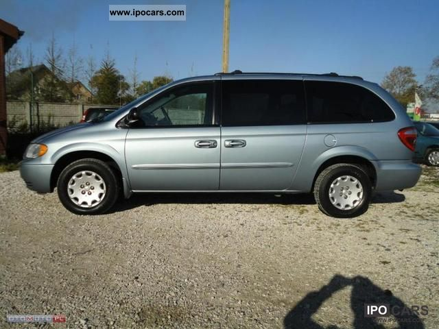 2003 chrysler town country 3 3 gaz air 7 bedded car photo and specs. Black Bedroom Furniture Sets. Home Design Ideas