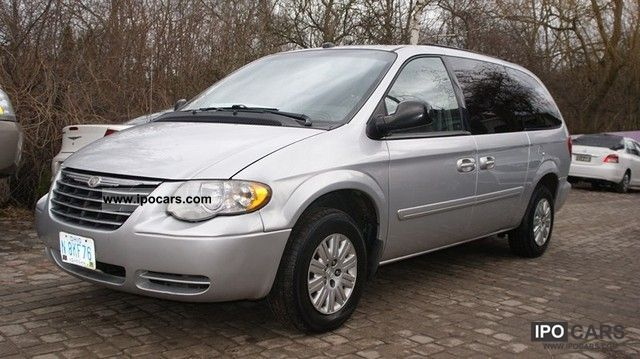 2005 chrysler town country lx car photo and specs. Black Bedroom Furniture Sets. Home Design Ideas