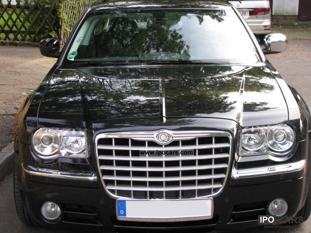 2010 Chrysler  300 C 3.5 sedan including leather, heated seats, ... Limousine Used vehicle photo