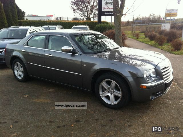2010 Chrysler  300C 3.0 CRD leather, Navi, PTS, sunroof Limousine Used vehicle photo