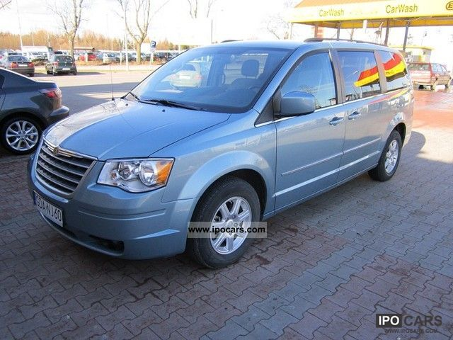 2010 chrysler town country super stan car photo and specs. Black Bedroom Furniture Sets. Home Design Ideas