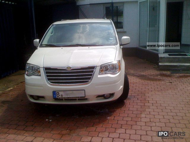 Chrysler  Town & Country3.8 Automatic, LPG LPG, Rückkam. 2010 Liquefied Petroleum Gas Cars (LPG, GPL, propane) photo