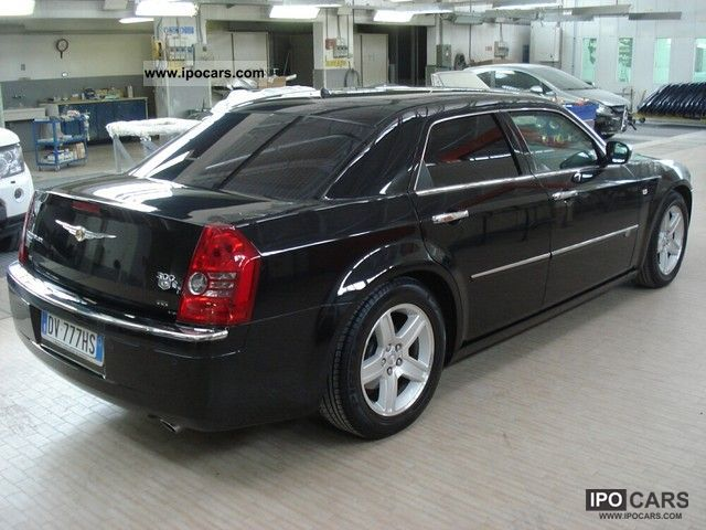2010 chrysler 300c diesel blindata car photo and specs for Chrysler 300c diesel