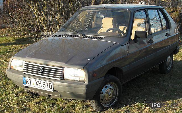 1986 Citroen  2 CV Visa Club Small Car Used vehicle photo