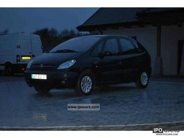 2000 Citroen  Xsara Picasso climate-tronic! Estate Car Used vehicle photo