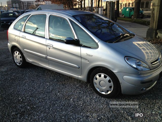 2001 citroen citro n xsara picasso 2 0 hdi airco 169 39 km euro 3 car photo and specs. Black Bedroom Furniture Sets. Home Design Ideas